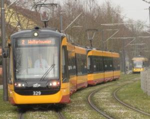 2 'Linie 2' in Aue hintereinander (Sonderfahrt des TSNV, dahinter reguläre Linie)